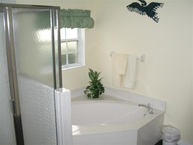 En Suite Bathroom With Separate Toilet: Brunel Products Page